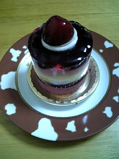 グリオットと杏仁ムースのケーキ
